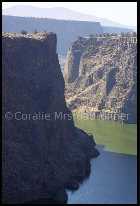 Hike_into_lake_billy_chinook_nature_photography_by_coralie_03